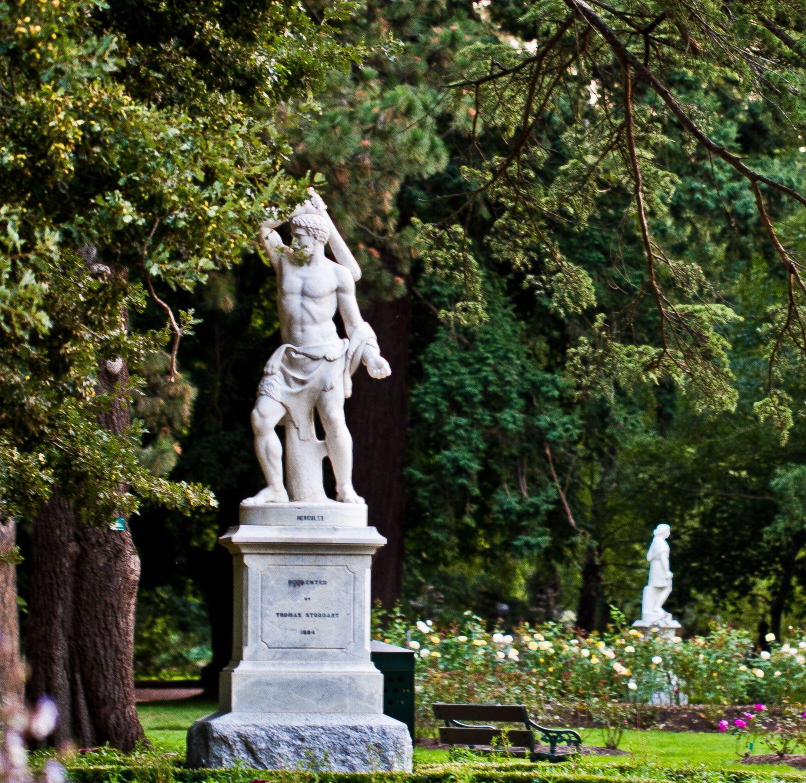 Awesome Botanical Garden Statue