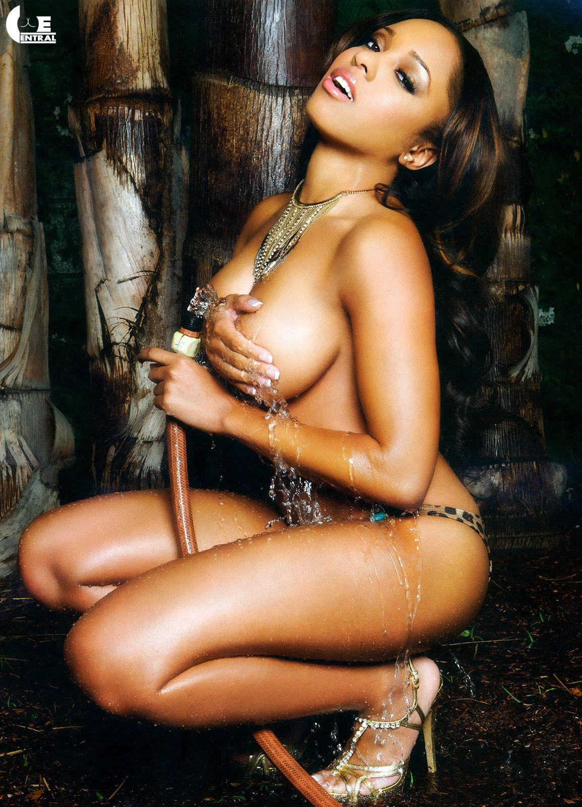 Jennifer nicole freeman nude gallery