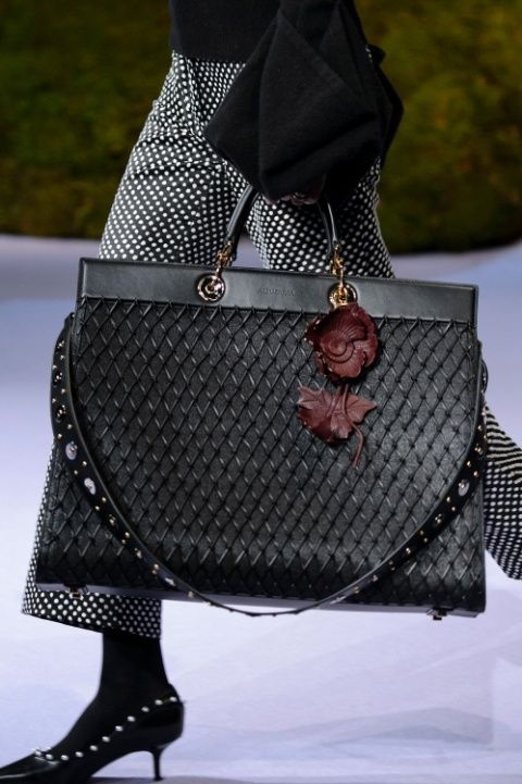 416cc79f2e 6 Bag Trends From Fall 2017 Runway Shows – Page 16 – Style Range ...