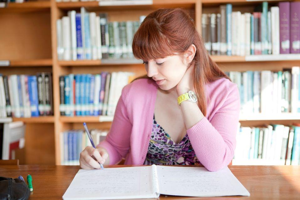 8 dicas para ter um ambiente de estudo proveitoso  Trabalhos, provas, ENEM, vestibular – sempre estamos estudando, para uma coisa ou outra, não é mesmo? Mas será que estamos de forma propícia, em um ambiente realmente adequado? Confira: http://enem.vc/8-dicas-para-ter-um-ambiente-de-estudo-proveitoso/  #enem #enem2014 #provadoenem