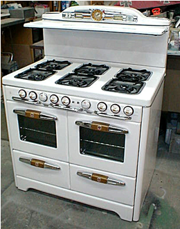 Gas Stove Vintage Looking I D Love This Vintage Kitchen