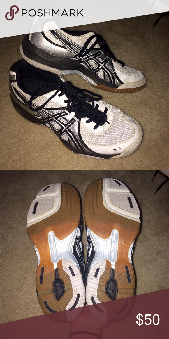 VOLLEYBALL SHOES Asics VOLLEYBALL SHOES!! Super comfy with gel cushion! These are in like new condition! Asics Shoes Athletic Shoes