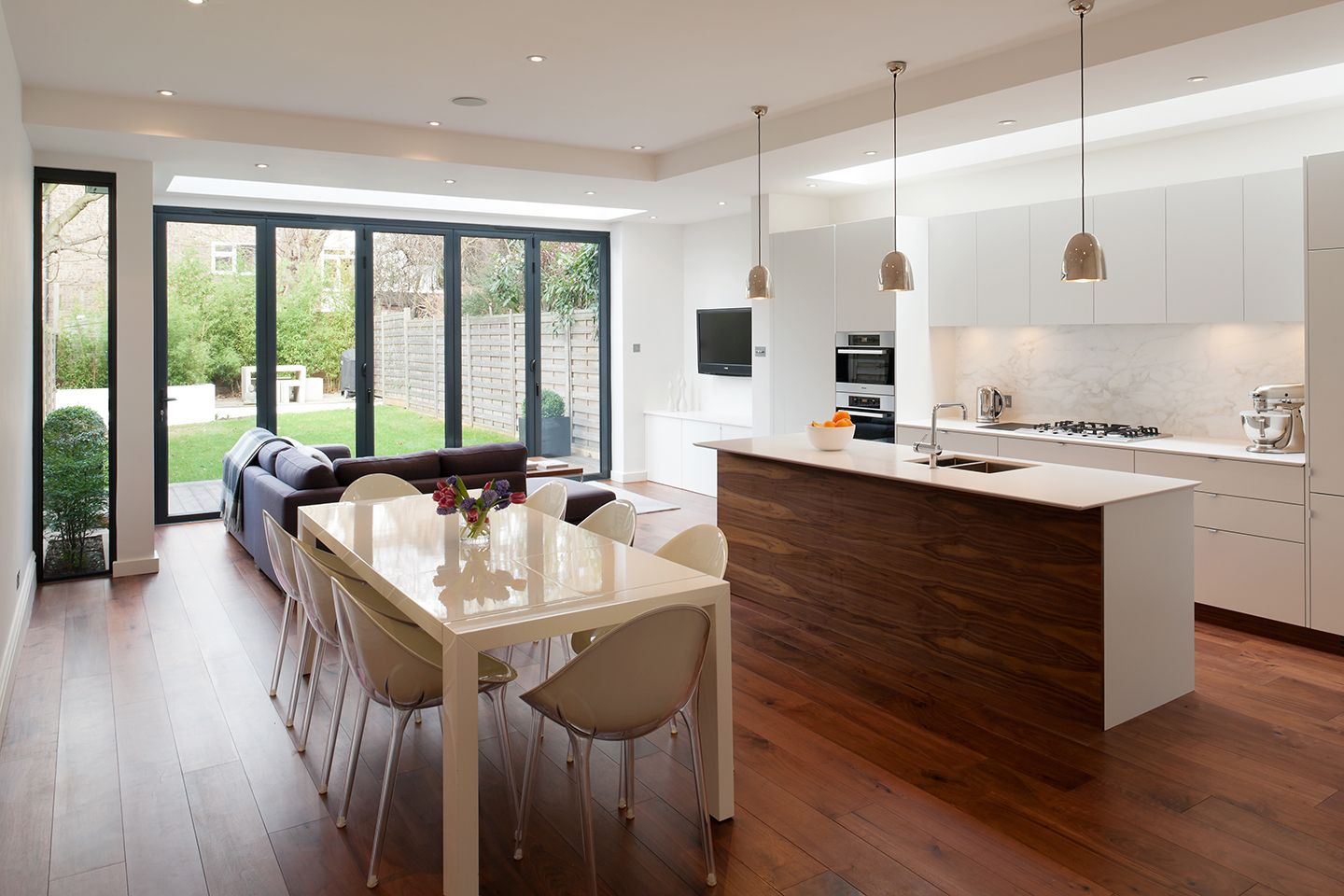 Creating A Kitchen For Entertaining: The Objective Was To Create A Large And Bespoke Family