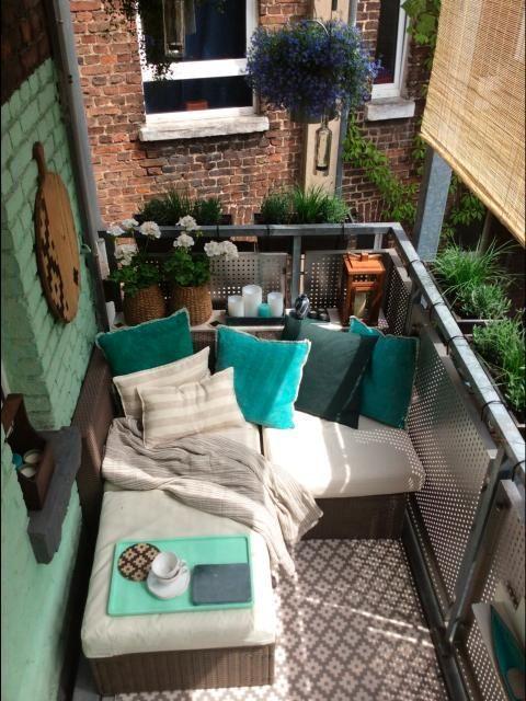 Fotostrecke: aufgehübschte Balkone - Vorher und nachher - Bild 6 - SPIEGEL ONLINE - KarriereSPIEGEL - Sarolta Szilágyi #smallpatiogardens
