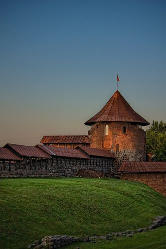 Kaunas Castle, Lithuania. Kaks viikkoa ja tuonne!