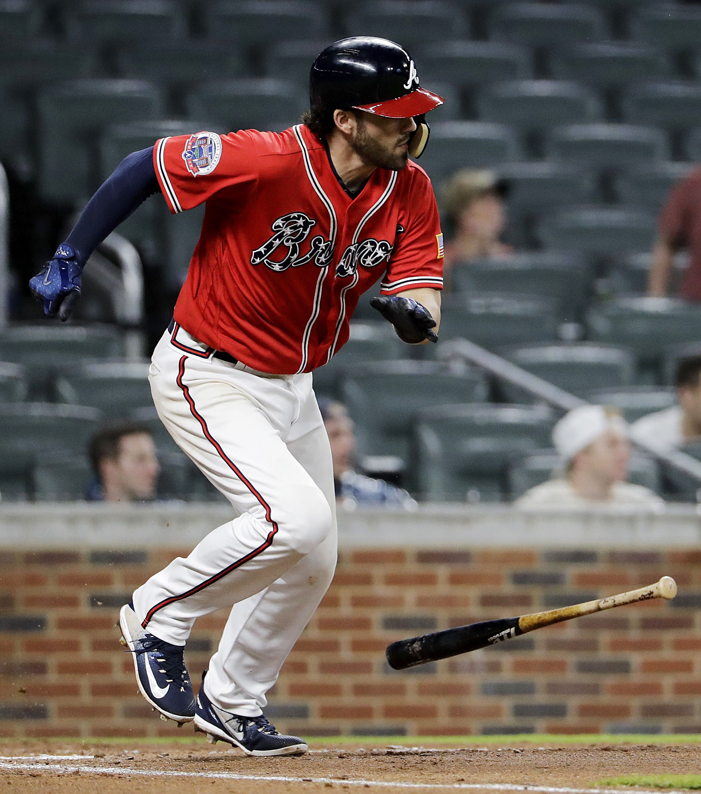 Atlanta Braves Dansby Swanson Grounds Into A Force Out To Score Teammate Tyler Flowers In The Sixth Inning Of A Baseball Game Braves Baseball Baseball Braves