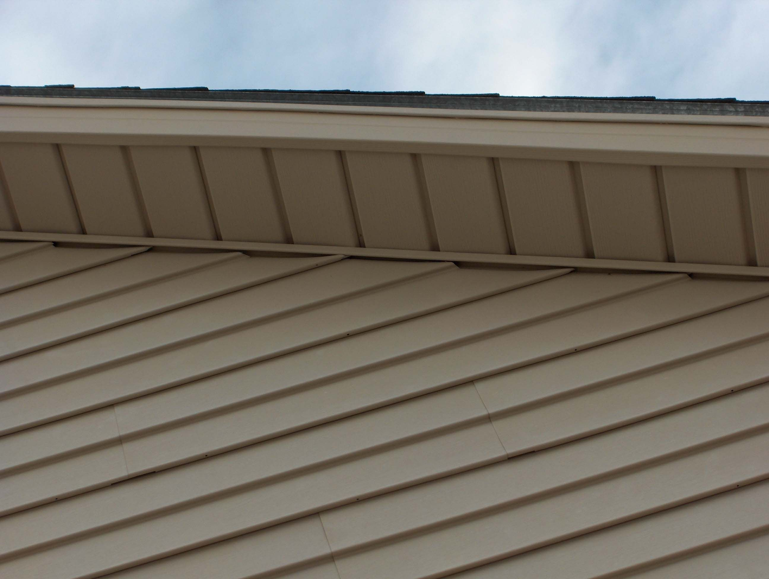 Time To Repair Replace And Paint The Eaves And Over Hangs Of The Church House Siding Looking For Houses House Plans