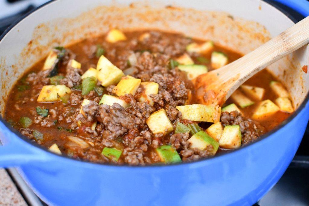 Easy Beef Goulash Comfort Food Exclusive Hip2keto Recipe In 2020 Easy Beef Recipes Comfort Food