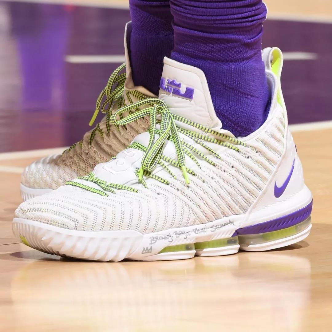 Nike LeBron 16 PE「Buzz Lightyear