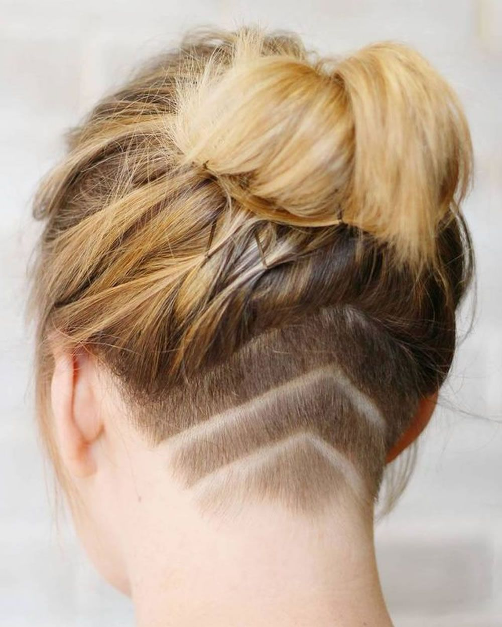 Extreme Nape Rasur Bob Frisuren Und Frisuren Fur Frauen Extreme Frauen Frisuren Rasur Rasurfrisuren Styling Kurzes Haar Bob Frisur