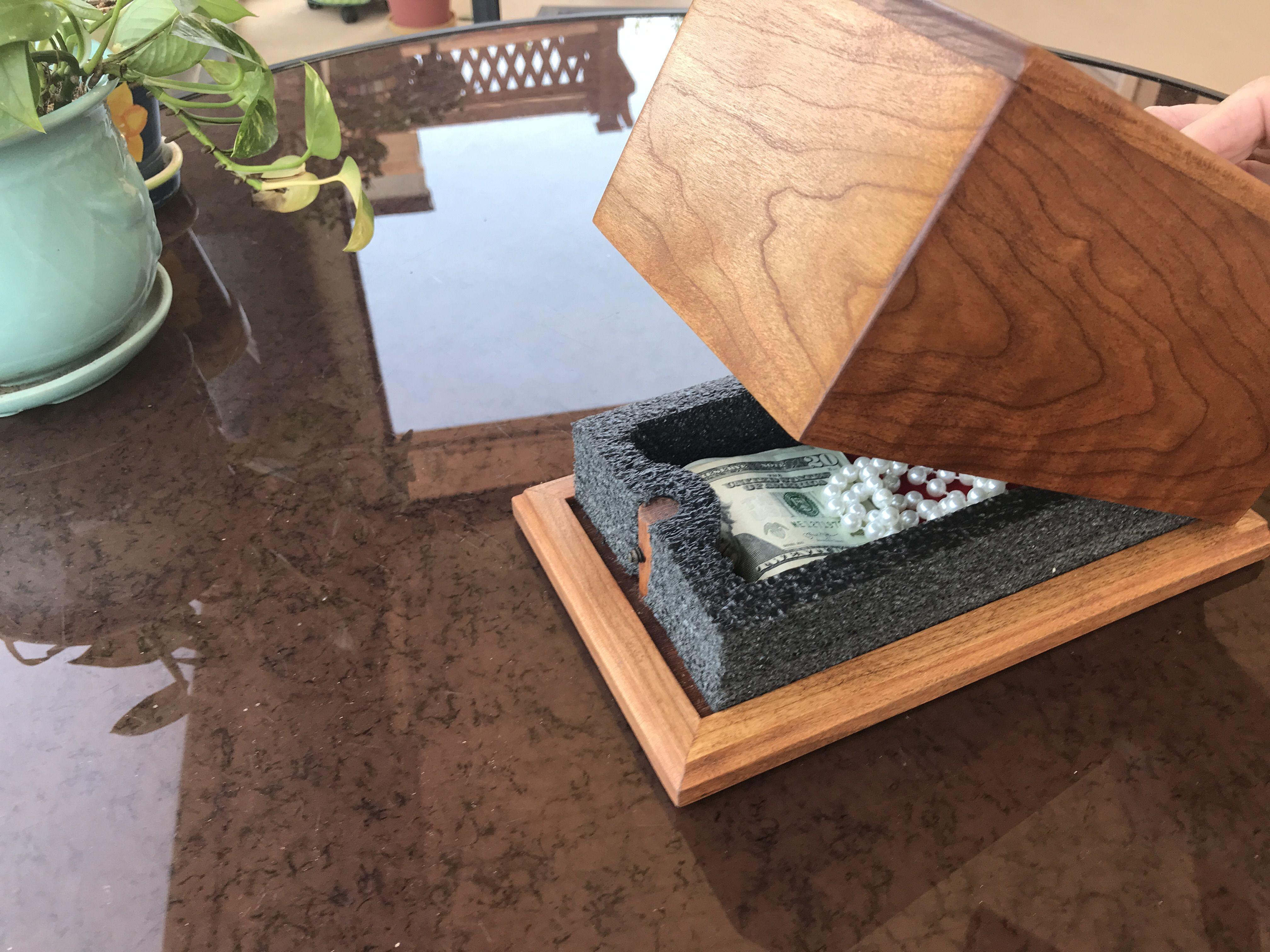Secret Hiding Place Tissue Box With Secret Locking System Secret Hiding Places Tissue Boxes Secret Safe