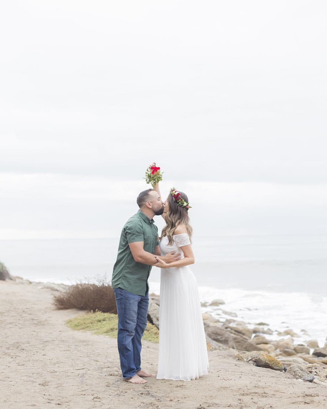 See this Instagram photo by @ashleytara • 21 likes  #pregnancyannouncement #christmascard #beachbabypics #maternity #mamatobe #holiday #babylove #flowercrowns #firstbaby #pregnancyphotography #beachbabypics