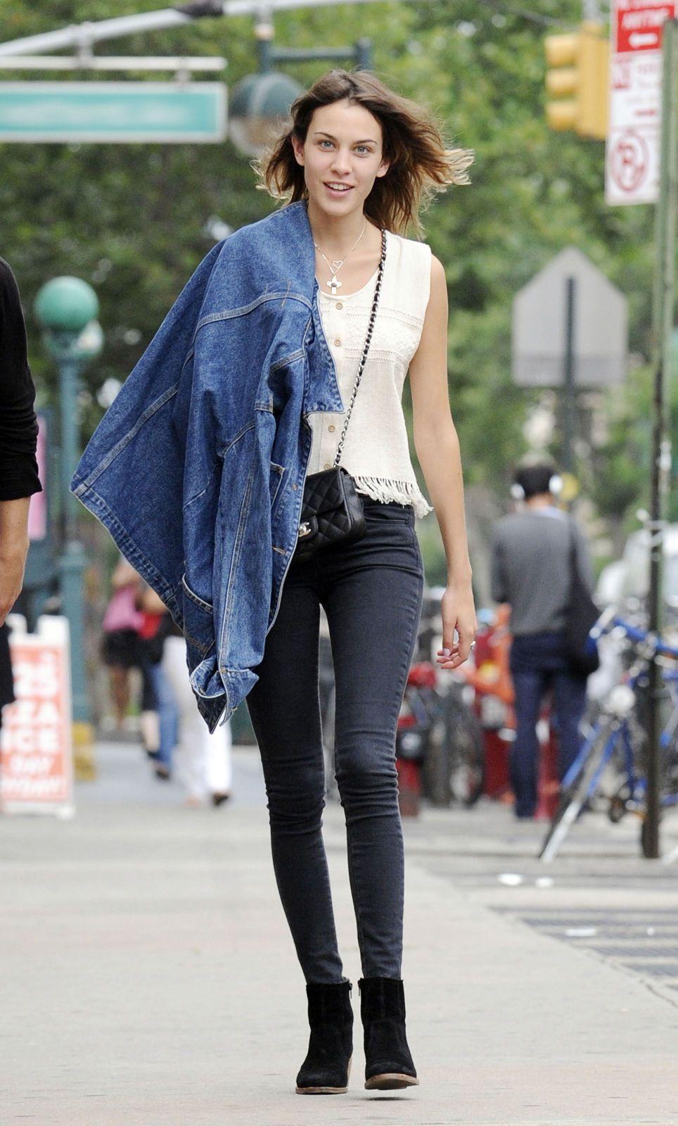f46b99ad2a87 alexa chung. i like her style