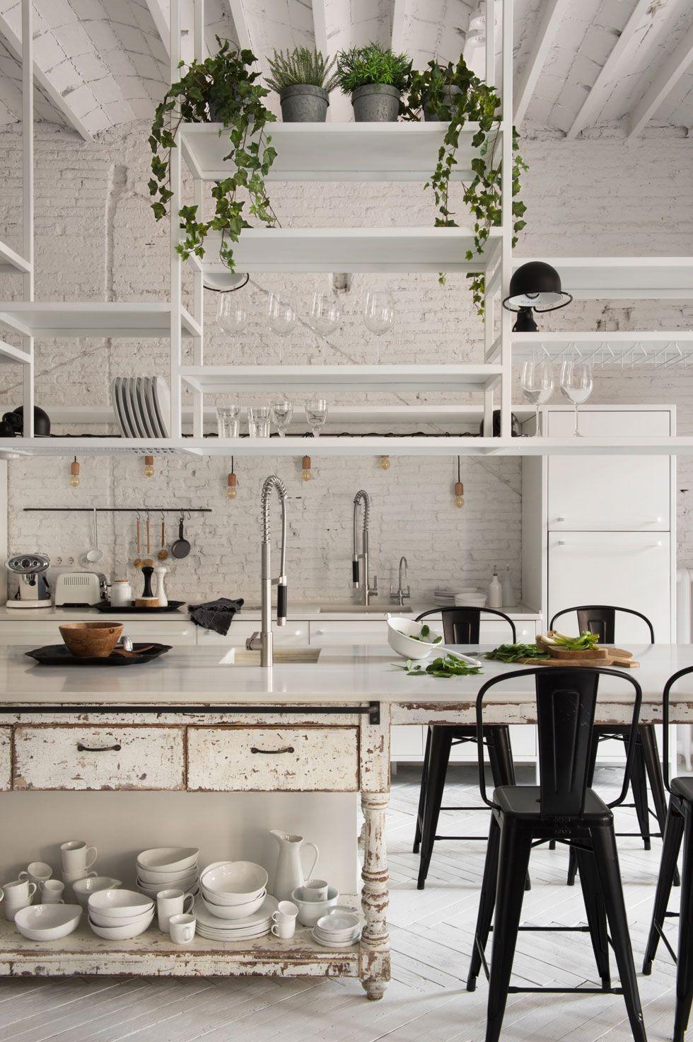 All White Barcelona Loft Cucine Rustiche Interni Della Cucina Progetti Di Cucine
