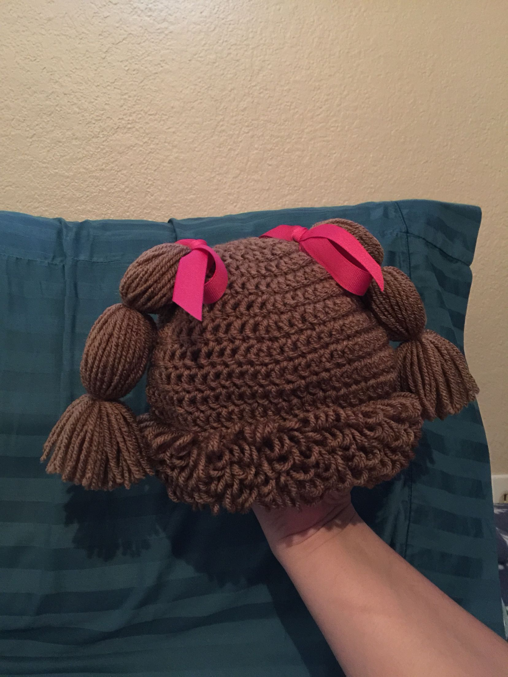 Cabbage patch hat for a co-worker. Pattern by Christina Martin (Knot ...