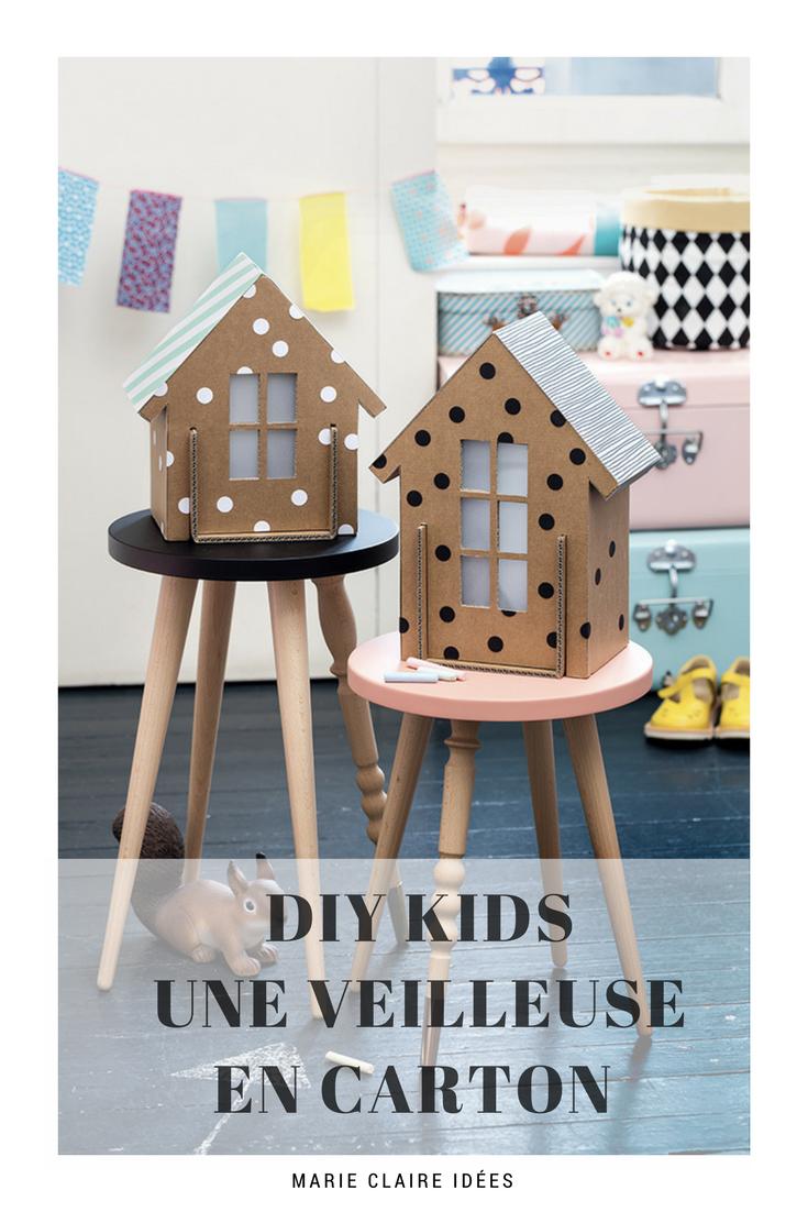 fabriquer une maison en carton pinterest craft doll houses and xmas. Black Bedroom Furniture Sets. Home Design Ideas