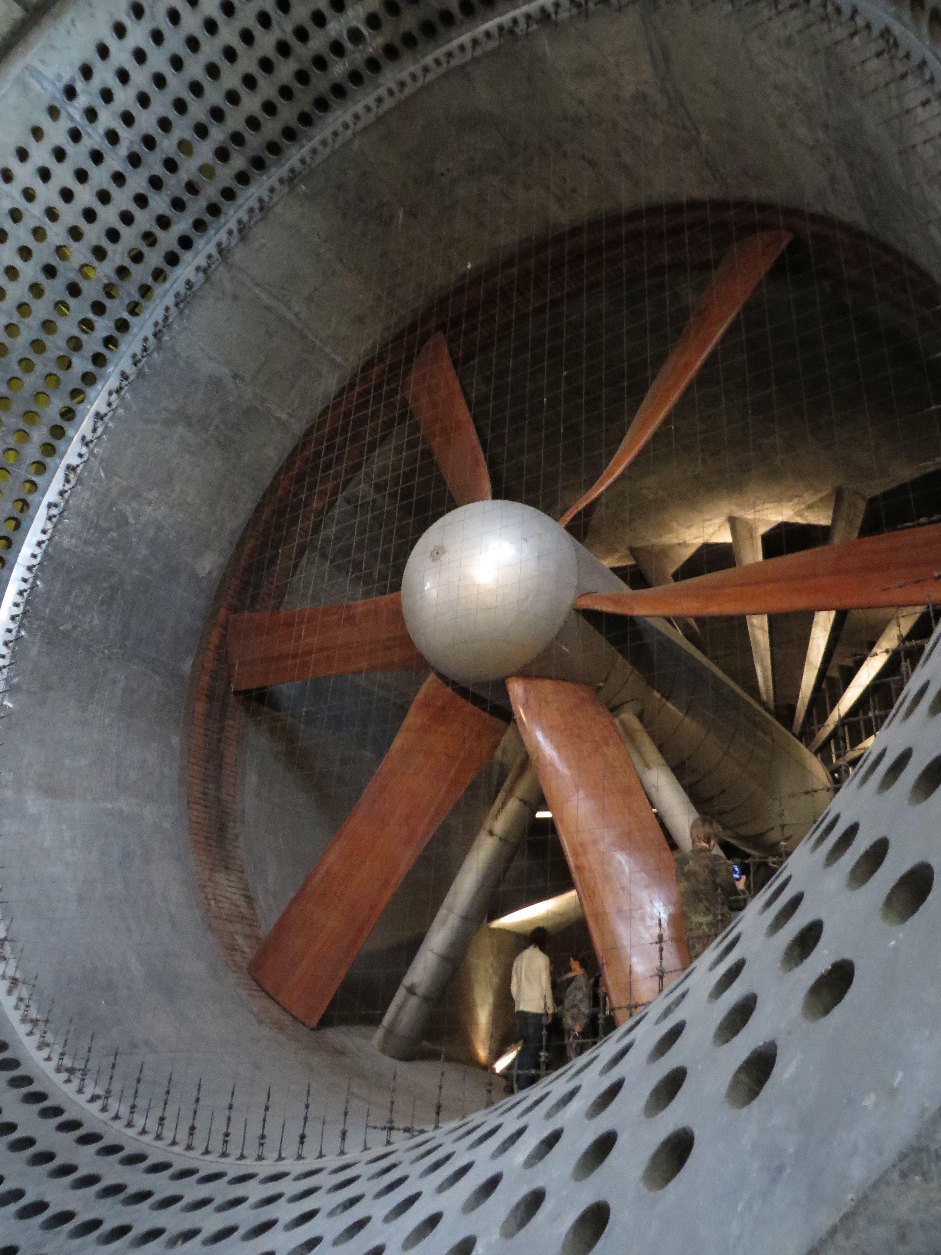 Postaviť sa zoči voči vrtule. Wohooo podme na to. Cez víkend teambuilding CMCčkári.  http://www.hurricanefactory.com/sk/spolocnosti/tatralandia