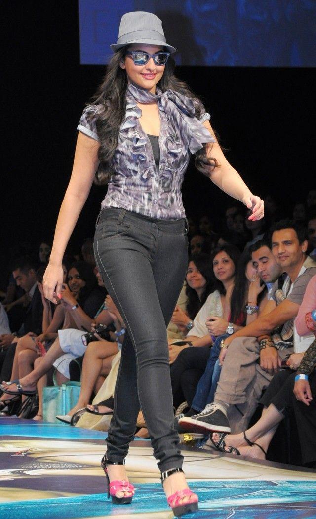 Sonakshi Sinha #Bollywood #Fashion #Style