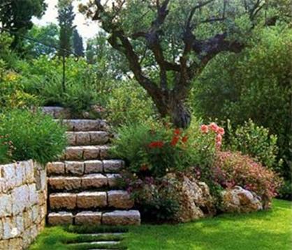 Jardines en desnivel buscar con google jardin olivar for Jardines en desnivel