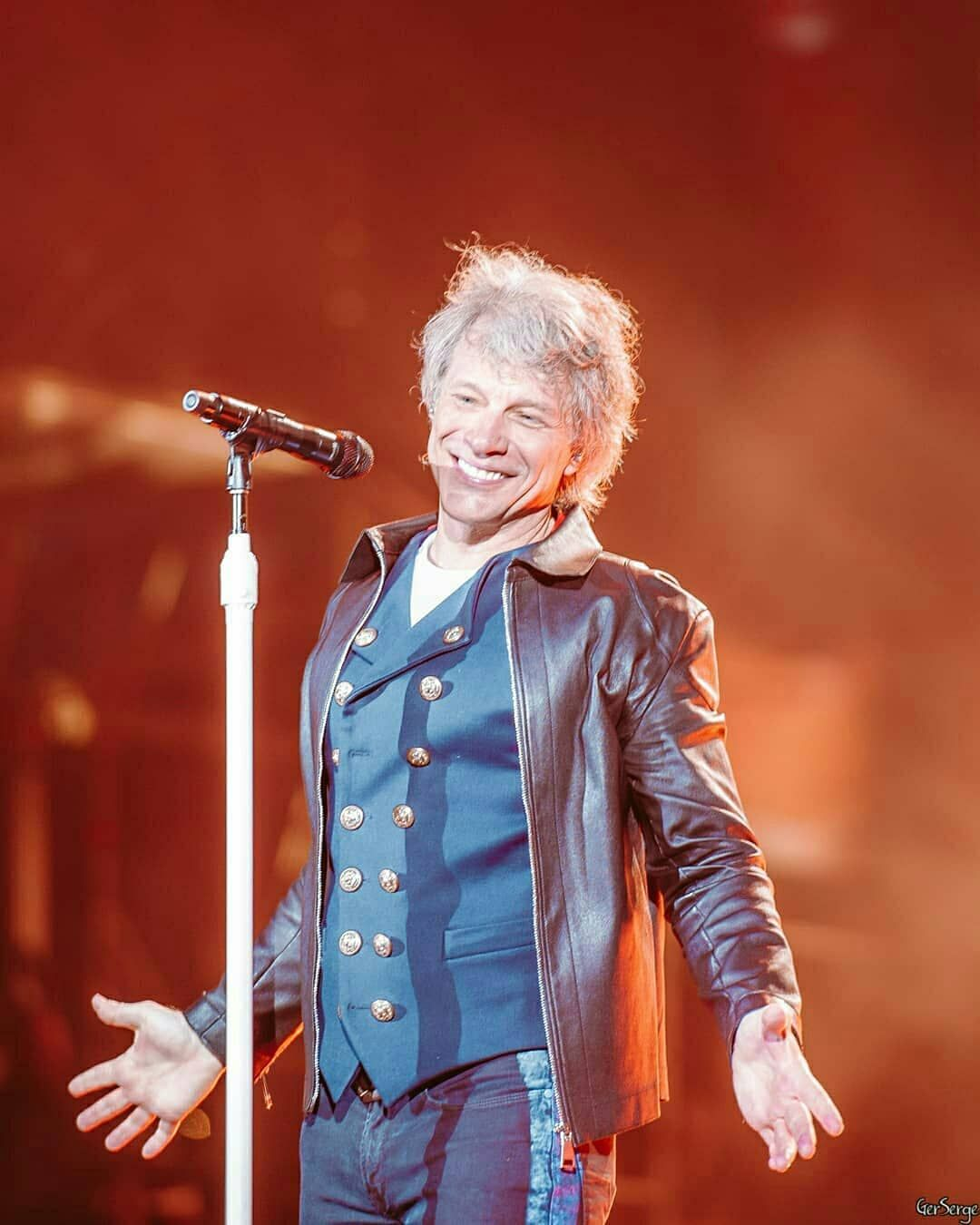Repost From Gerserge Concert For The First Time In 30 Years In Russia Bonjovi Bonjoviforever Bondzhovi Koncert Jon Bon Jovi Bon Jovi Pictures Bon Jovi
