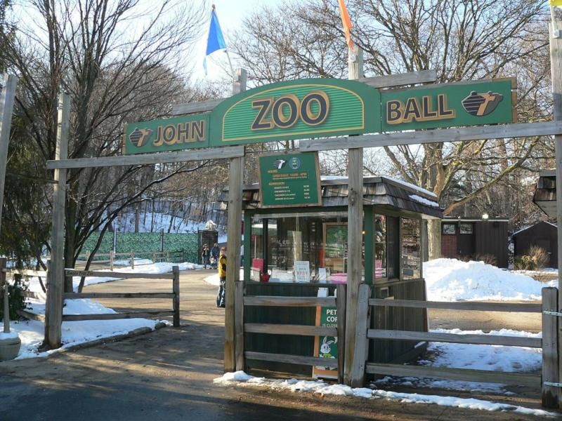Grand Rapids Michigan Area – John Ball Zoo is Free and Fun in the Winter!