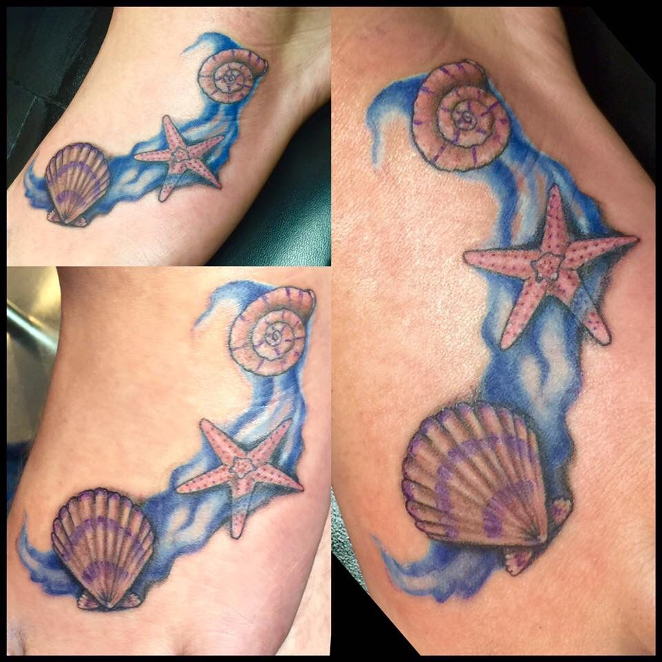 a8bf2203c2f59 Beach themed foot tattoo | Tattoos<3 | Feet tattoos, Seashell ...