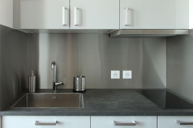 Feuille D Inox À Coller rénovation] une crédence en inox pour kitchenette | credence