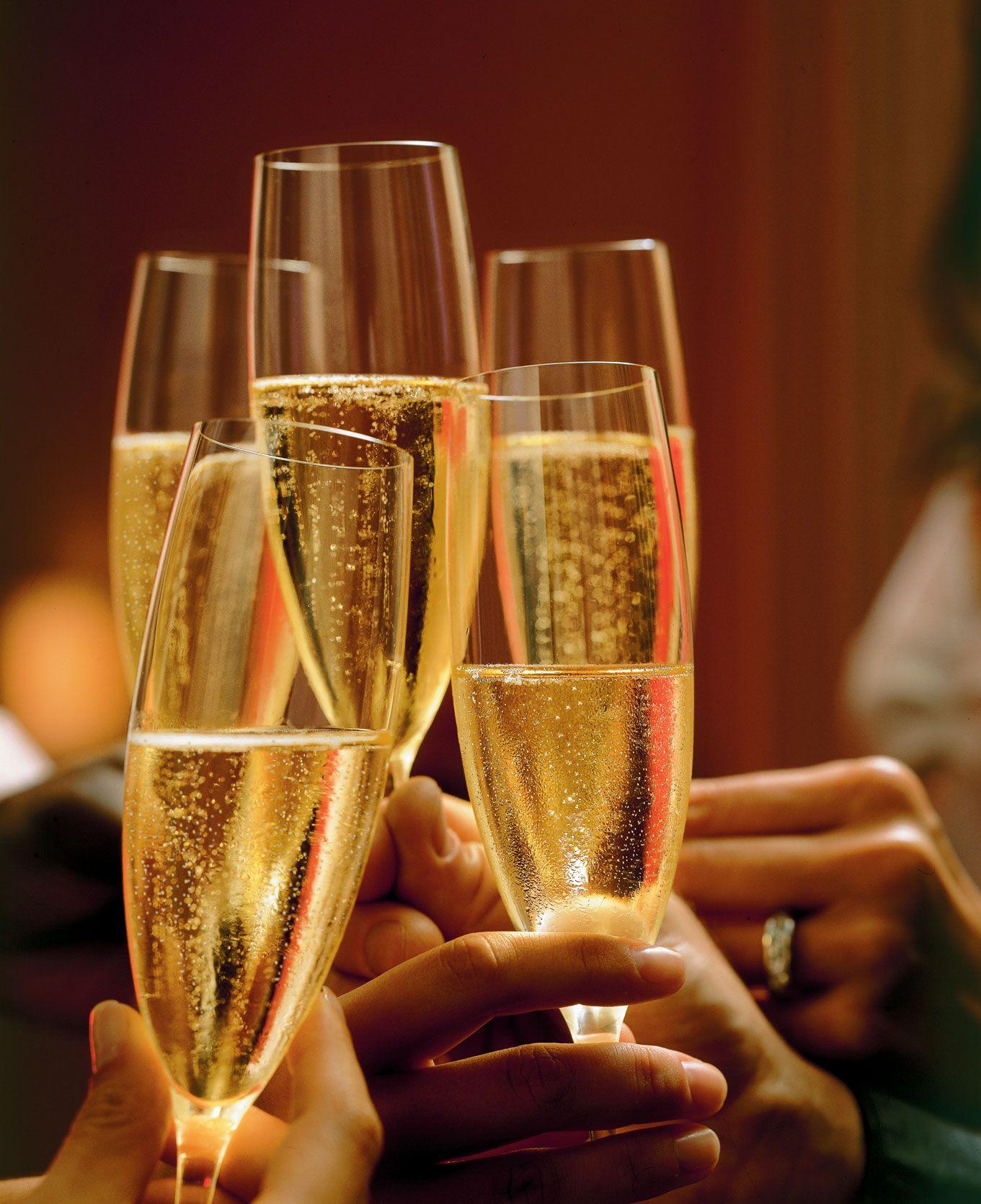 Открытка с фужерами с шампанским, картинки для рабочего