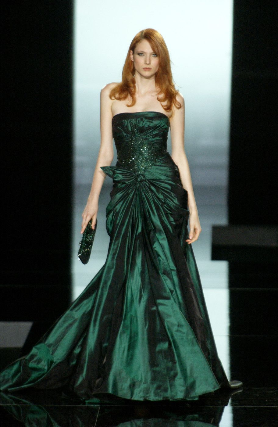 Elie Saab At Couture Fall 2005 Red Evening Dress Green Dress Gorgeous Gowns [ 1400 x 912 Pixel ]