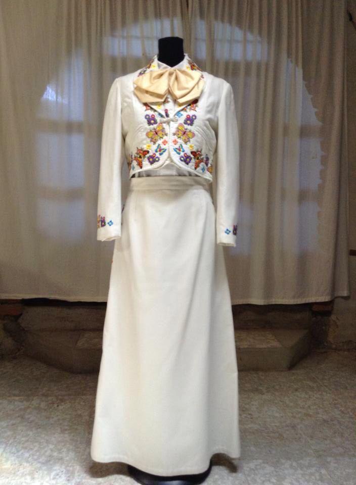 085dfe5b5 Vestido de Escaramuza Charra Diseñadora  Anel Granados Flores By ...