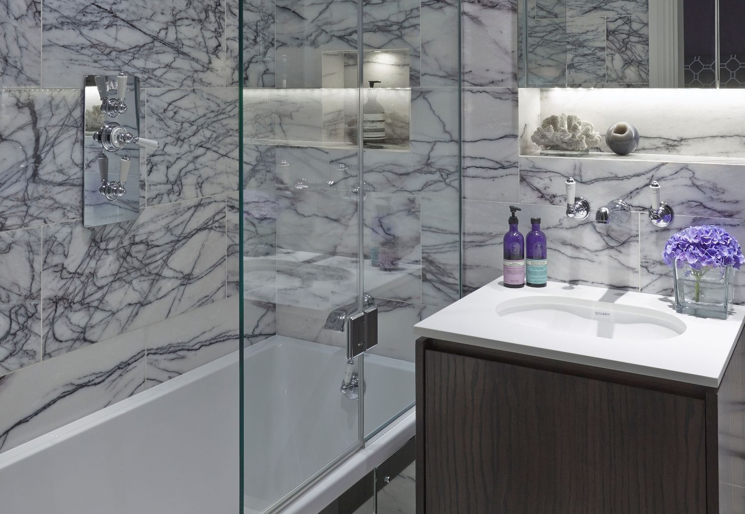 Chelsea2 luxury interior design london surrey for Bathroom interior design london