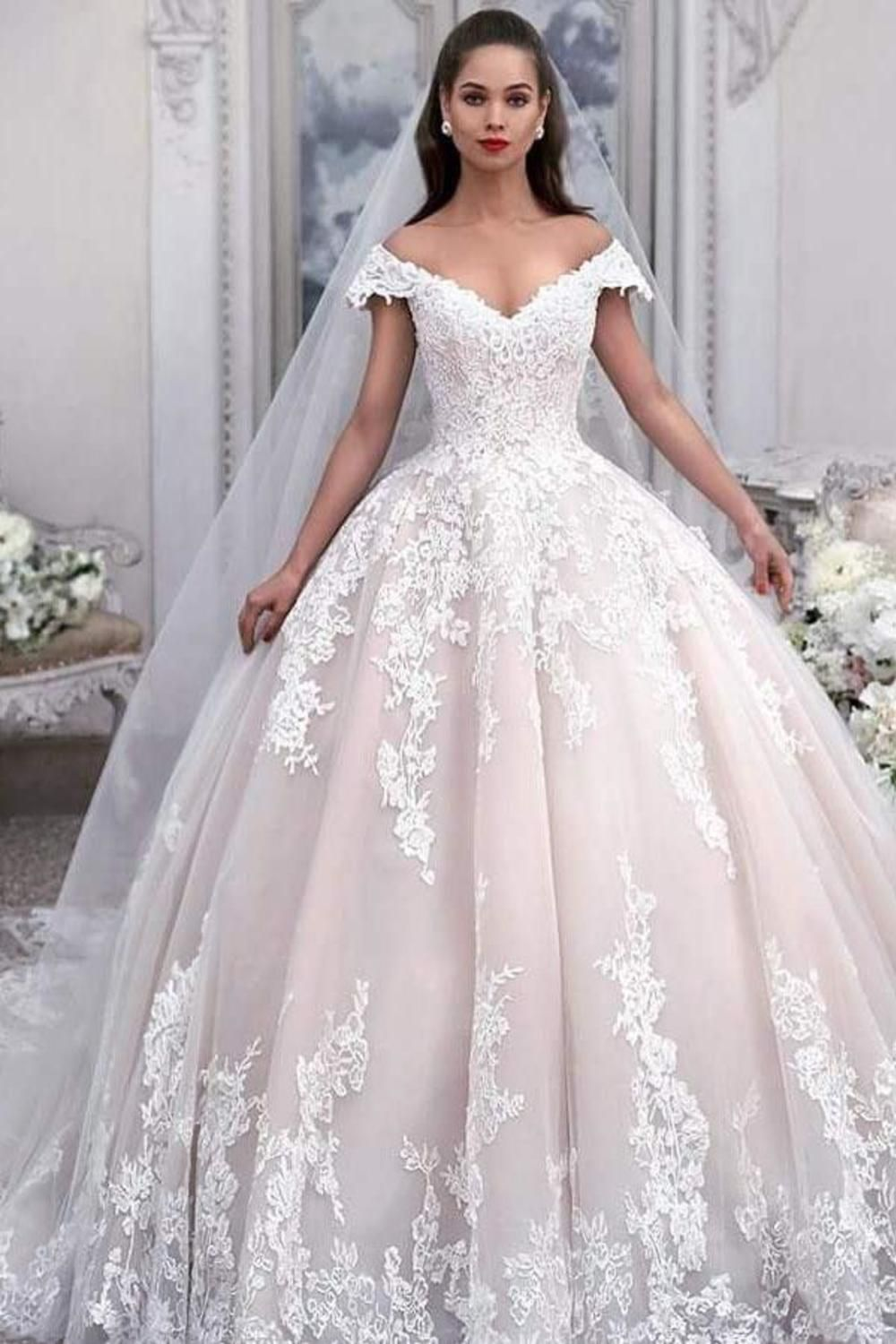 Photo of Robe de Mariée and tulle Robe de Bal Hors de l & # 39; épaule with applications, Robe de Mariée Princesse € 305.21 LBRPRMN1H92 – LaBelleRobe.com
