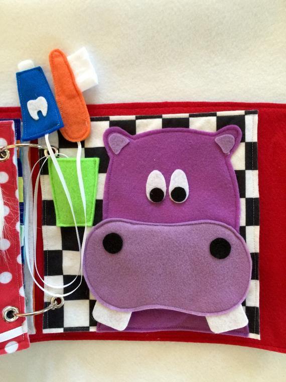 """Página personalizada de libro silencioso hecho a mano- """"Happy Brushing Hippo"""" – Página única para expandir su libro silencioso personalizado"""