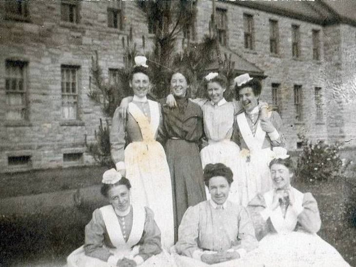 Two housemaids or nursemaids in 1913 | Found image