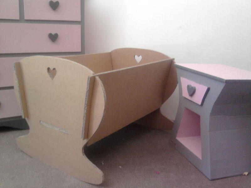 Un Berceau En Carton Mobilier En Carton Et Palettes En Region Centre Val De Loire Mobilier En Carton Meubles En Carton Meuble En Carton