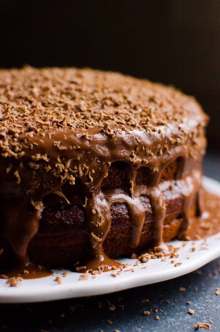 This Healthy Chocolate Cake Recipe with yogurt, maple ...