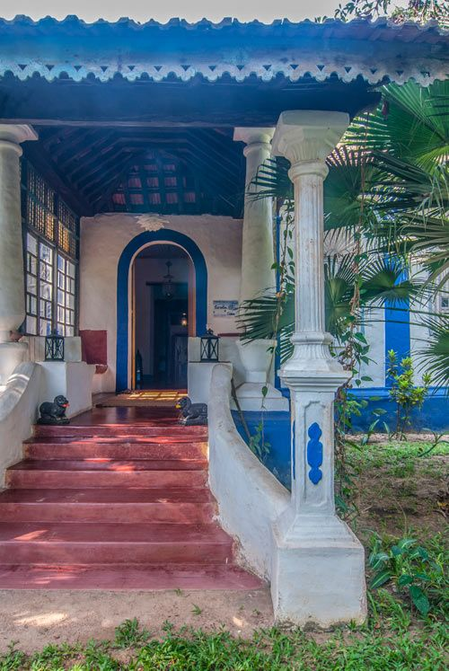Book The Secret Garden Online Best Price Guaranteed Tripzuki Hotels In Saligao North Goa India Luxury Garden House Architecture Styles Secret Garden