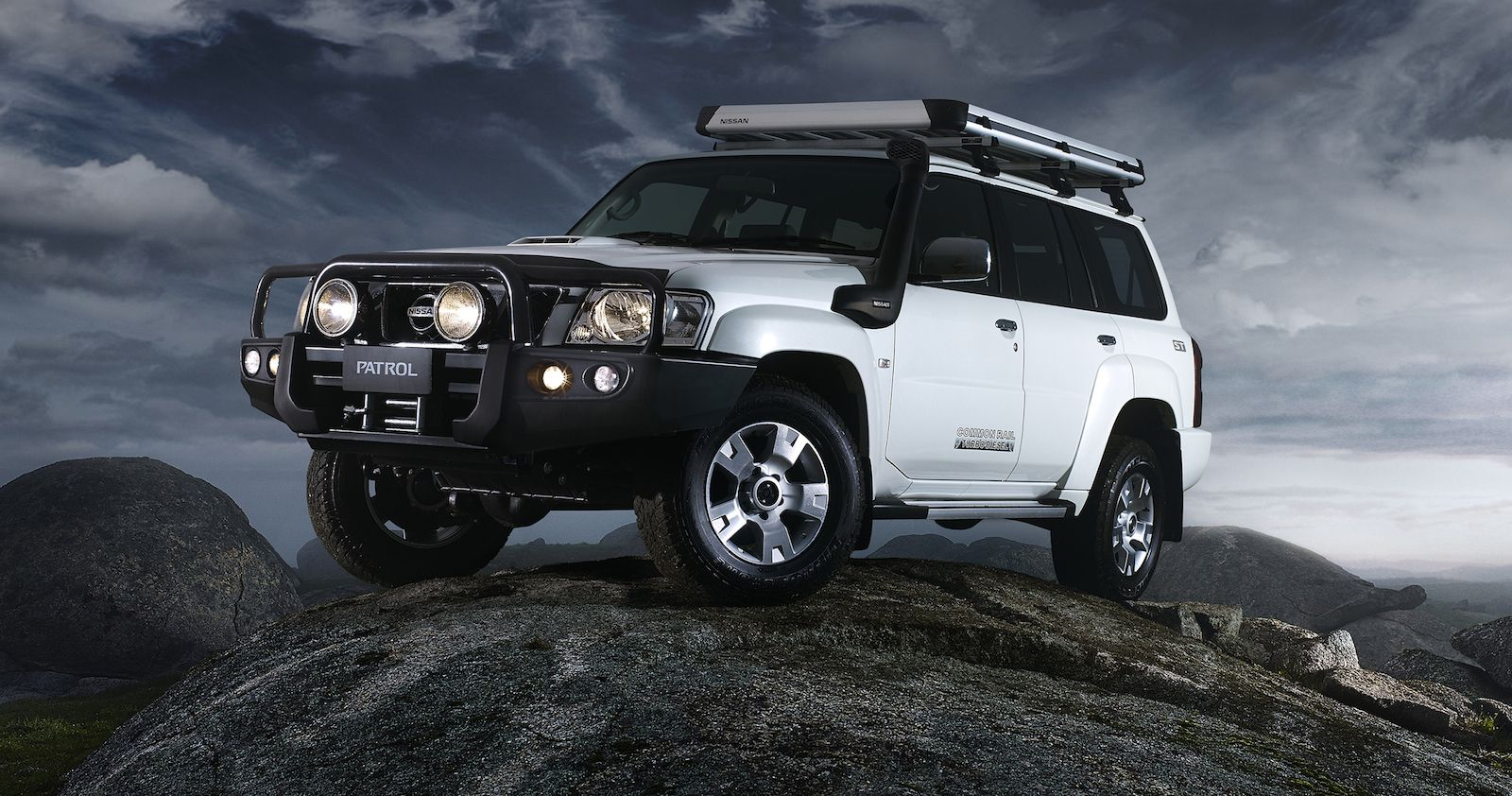Nissan Patrol It S She Beautiful Con Imagenes Nissan Patrol Nissan Patrol Gr