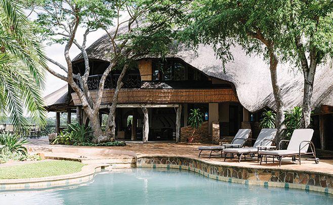 ao sudeste do zimbábue, esse lodge de apenas 10 quartos oferece conforto e belezas naturais