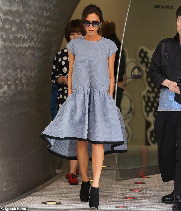Photo of Victoria Beckham no design deste vestido volumoso