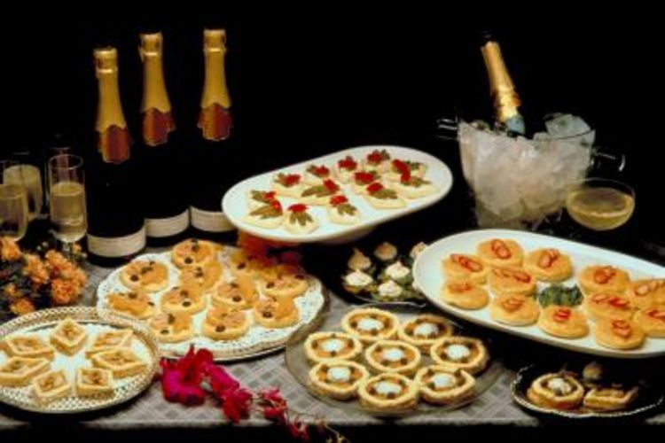 50th Anniversary Finger Food Ideasehow Wedding Menu Cards Anniversary Party Foods 50th Wedding Anniversary Party Anniversary Food