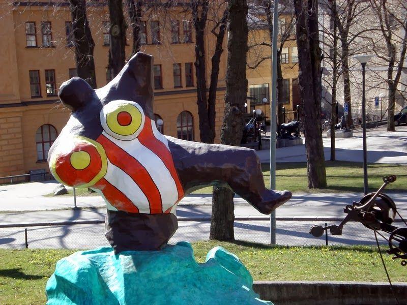 Multimediataiteilija Jemina Staalon portfolio: Niki de Saint-Phalle - eräs lempparitaiteilijani
