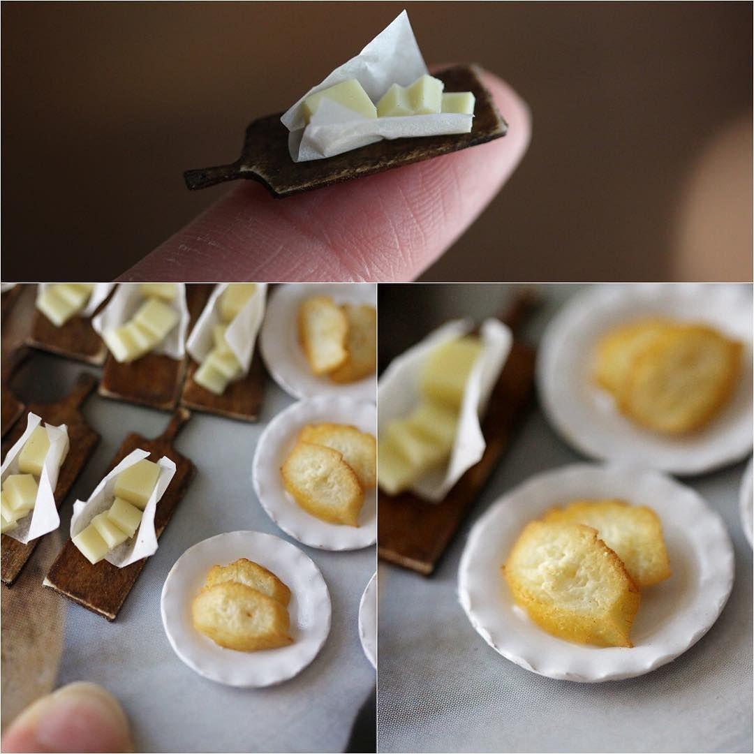 . 2016.9.29 . 今日から#暮らしの会秋2016  始まりました♡ 明日はお手伝いでお店にいます。 ミニチュアパンセット完成しましたので 明日持っていきたいと思います。 . 完成写真は後ほど載せたいと思います🍞 . . #ミニチュア #ミニチュアフード #フェイクフード #バター #miniature #miniatures #miniaturedollhouse  #ドールハウス #樹脂粘土 #パン屋 #butter #polymerclay #clay #パン #まな板 #choppingboard #イベント #かくれ家 #暮らしの会秋