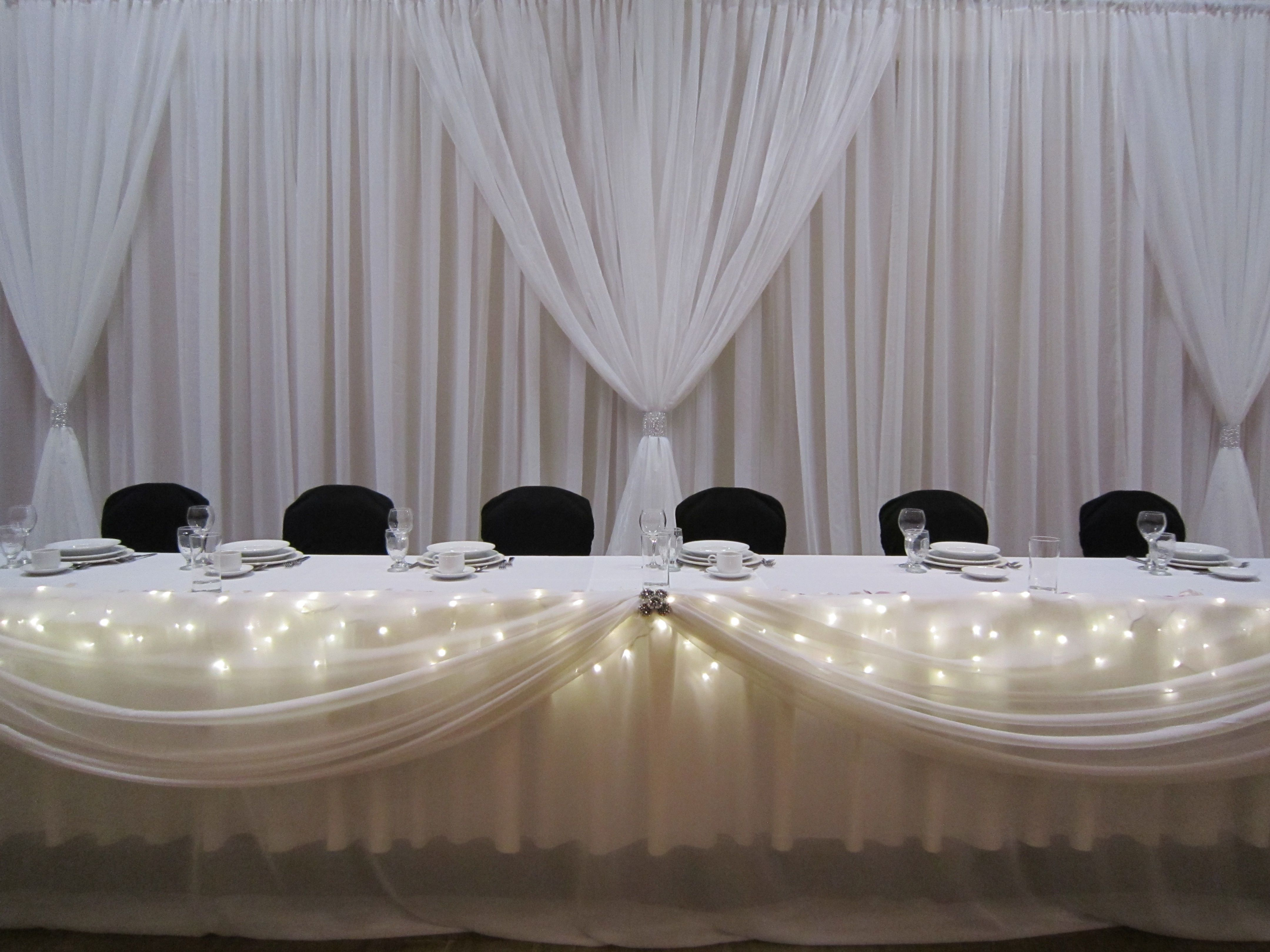 Black And White And Bling Table Setting | Purple And White Thank You To The  Bride