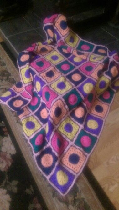 Nonni's Candy Bright Throw 10/03/15