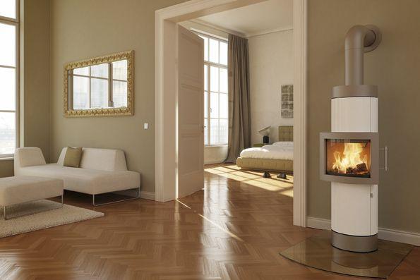 Eleganter, Freistehender Kamin In Weiß - Ofenfenster In Der Mitte ... Kamin Im Wohnzimmer Bis Zur Mitte