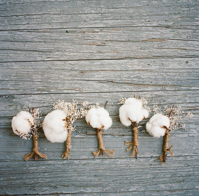 LOVE these cotton ball boutonnieres! Perfect for a southern wedding!