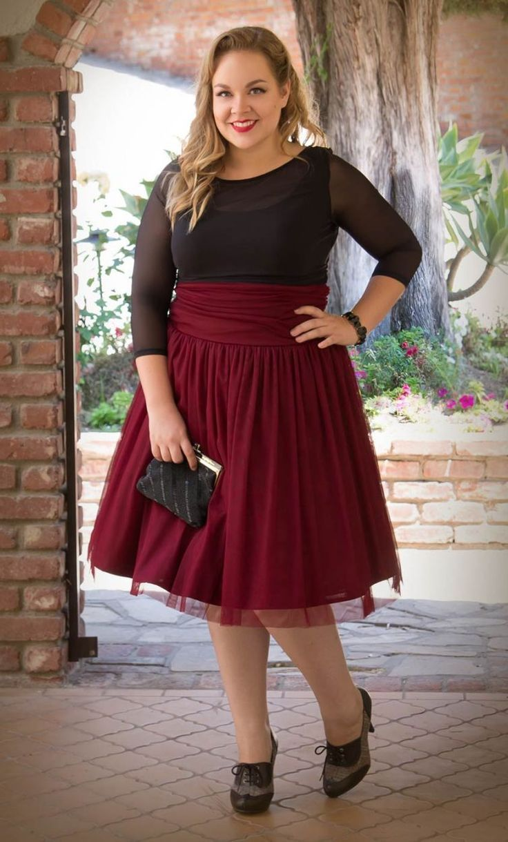 Plus Size Holiday Fashion Tips | Best Maroon skirt and Black tops ...
