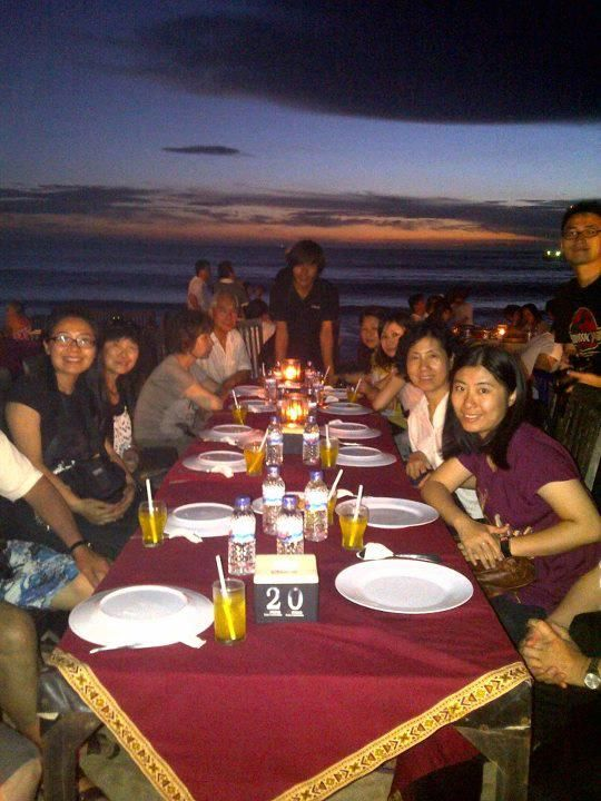 This is popular seafood restaurant in Jimbaran. Located in front of jimbaran beach with ocean view and here also can seing beautiful sunset.
