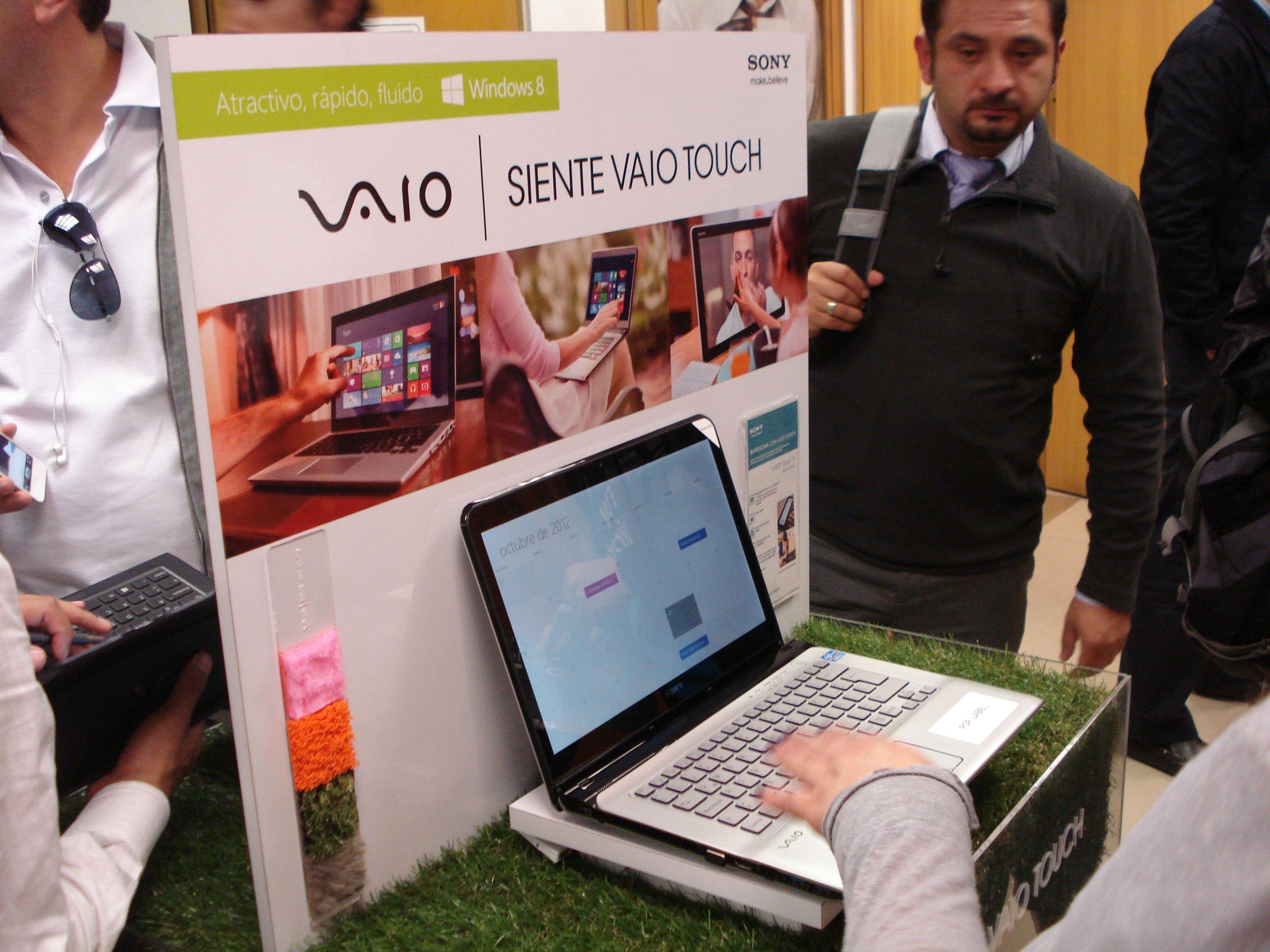 La nueva línea de laptops y desktops Sony VAIO Touch con Windows 8. Una buena combinación.